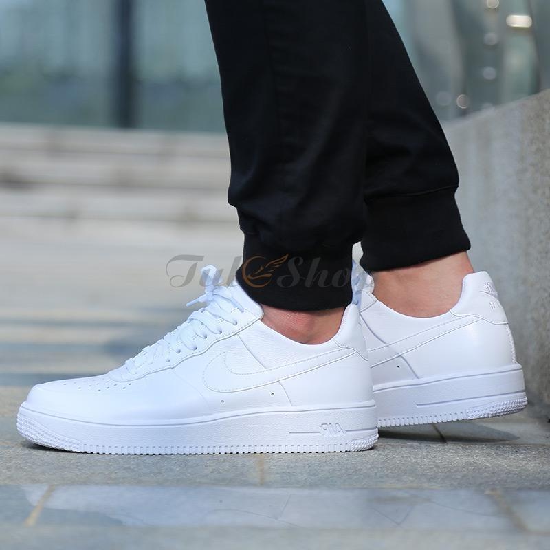Lý do giày Nike Air Force của bạn luôn gây ấn tượng khi mang đi dạo hoặc đi chơi với bạn bè